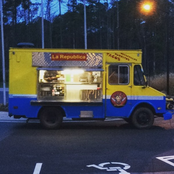 La Republica Food Truck is here! Stop by the leasing office and grab some dinner on your way home!